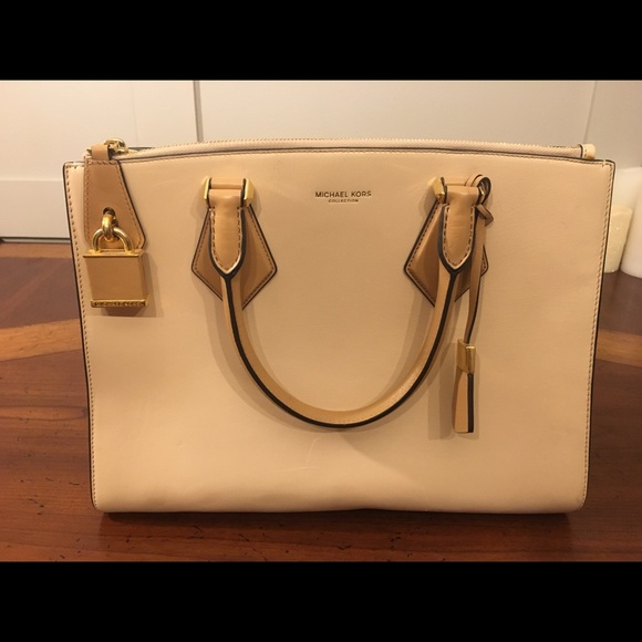 e0dce5f59aed New Michael Kors Collection Casey Large Satchel